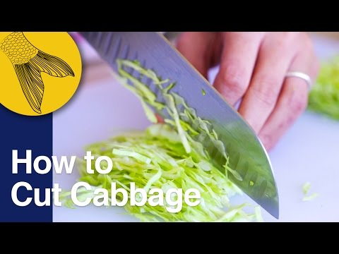 How to Cut Cabbage for Badhakopi'r Ghonto