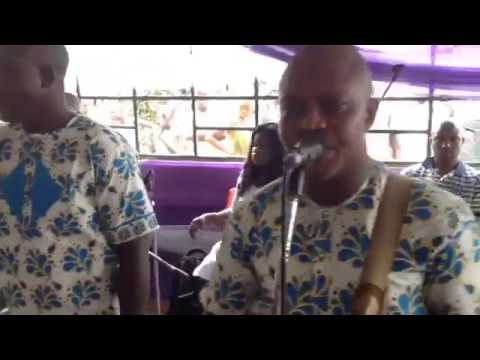 Watch the paddle of Niger Delta Chief Barrister Smooth perform live at Ogbolo