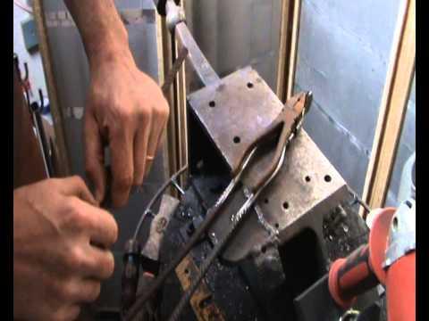 tenazas estilo casero para forjar, con mandibula de caja ( 1 de 2 )
