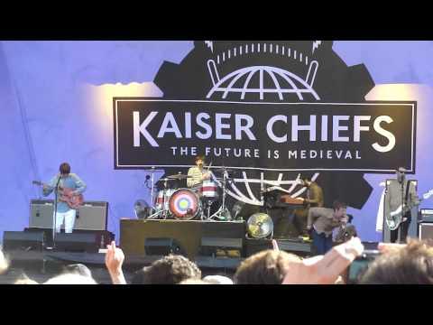 Kaiser Chiefs - Long Way for Celebrating (Main Square Festival 2011)