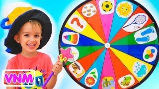 Những đứa trẻ vui nhộn Giả vờ chơi với Bánh xe ma thuật Video cho trẻ em