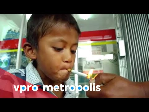 A 9 Year Old Chain Smoker From Indonesia - Vpro Metropolis