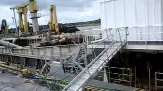 preview picture of video 'Puerto villa constitucion Draga NIÑA, montaje de propulsores'