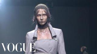 Fashion Show - Gareth Pugh: Spring 2010 Ready-to-Wear