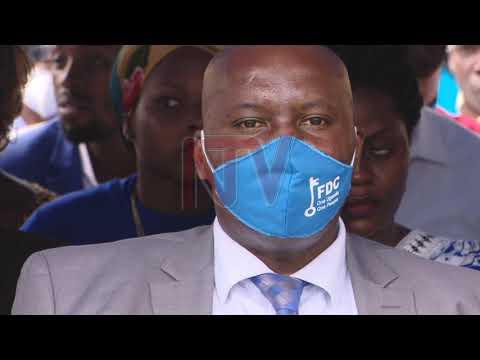 Lukwago wa kukwatira FDC bendera ku kya loodi meeya