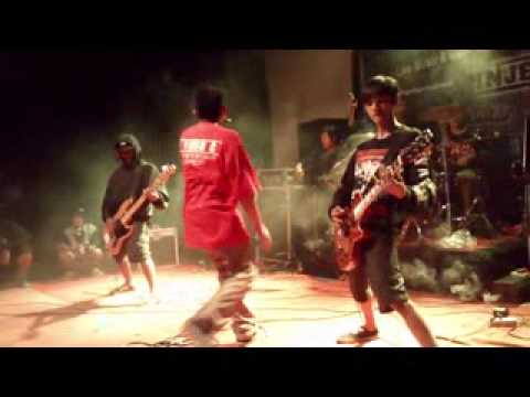 SPLINHEAD - 100% (REFRESH YOUR ADRENALINE UNPAD 3 MARET 2013)