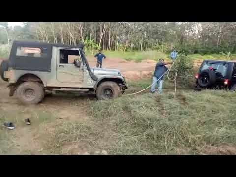 Mahindra Thar Rescues A Jeep Wrangler In Off-roading