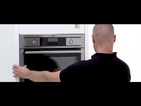 AEG Einbau 60cm Backofeneinbau in einen Hochrank Küchenhaus Böttcher
