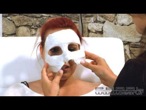 Le charbon actif dans la cosmétologie pour les masques pour la personne