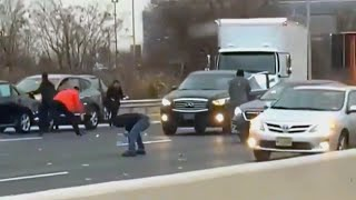Drivers Grab Money That Spilled on New Jersey Highway