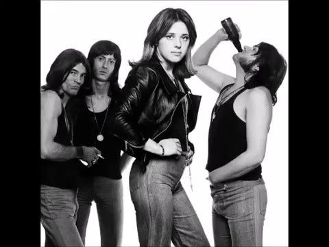 Suzi Quatro - Devil Gate Drive (lyrics)
