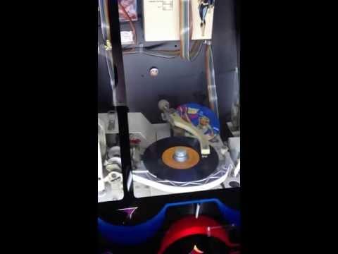Retro Wurlitzer Rockola vinilo en Barcelona -c/Sant Pau 12-
