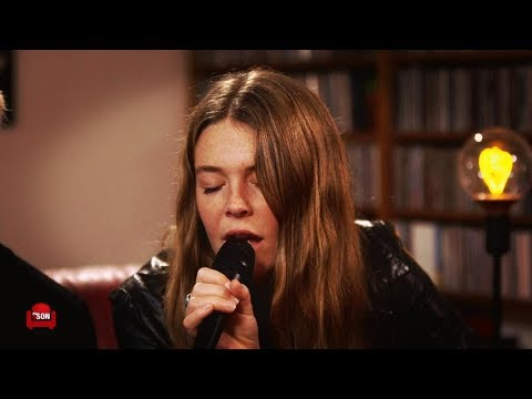 MAGGIE ROGERS - SESSION ACOUSTIQUE Give a little #153/2