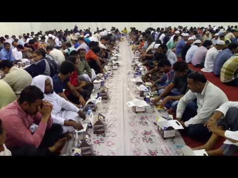 Masjid sheikh Saud bin sultan Qasimi sharjha 6.6.2017 efthar (видео)