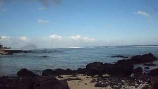 preview picture of video 'Mauritius Apartments - Tamarin Beach Apartments Mauritius - Walking away from TBAM 1'