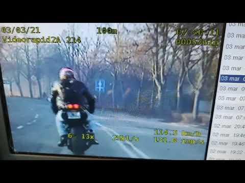 Wideo1: Szaleńcza ucieczka motocyklisty bez prawa jazdy