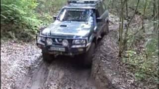 preview picture of video 'Kreuzlaender Nissan Patrol Y61 GU Mammut Park 2'