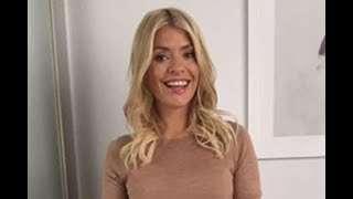 Holly Willoughby ageless beauty This Morning star leather skirt wows