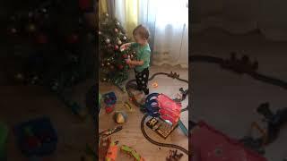 Поезда и железная дорога. Видео про поезда для детей.