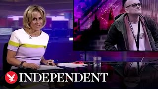 "Emily Maitlis has been praised for her introduction to a Newsnight special after she opened the show by saying the PM's chief advisor Dominic Cummings ""broke the rules.""  Mr Cummings has been under scrutiny for his movements during the UK's national lockdown, which included driving 260 miles from London to Durham.   The BBC presenter said, ""He made those who struggled to keep to the rules feel like fools, and has allowed many more to assume they can now flout them.""  Read the full story: https://www.independent.co.uk/news/uk/politics/emily-maitlis-newsnight-dominic-cummings-lockdown-coronavirus-durham-a9533956.html  Like us on Facebook: https://www.facebook.com/TheIndependentOnline Follow us on Twitter: https://twitter.com/Independent Follow us on Instagram: https://www.instagram.com/the.independent Check out The Independent's website: https://www.independent.co.uk/"