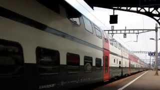 preview picture of video 'Passage d'un ICN et manoeuvre en gare de Renens VD (22.07.2013 17h13 & 17h16)'