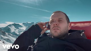 Musik-Video-Miniaturansicht zu Call My Phone Thinking I'm Doing Nothing Better Songtext von The Streets