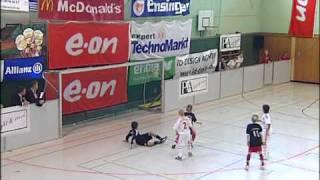 preview picture of video 'E.ON Junior Cup 2009 - 15. internationales E-Junioren-Hallenturnier'