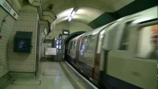 preview picture of video 'London Underground Bakerloo Line at Paddington Station'