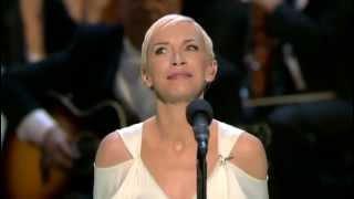 Oscar 2004 = Into the West by Annie Lennox