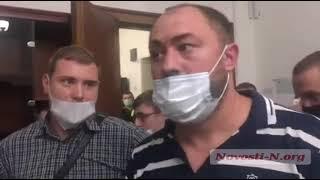 В Николаеве на заседании горизбиркома поскандалили депутат облсовета и националисты