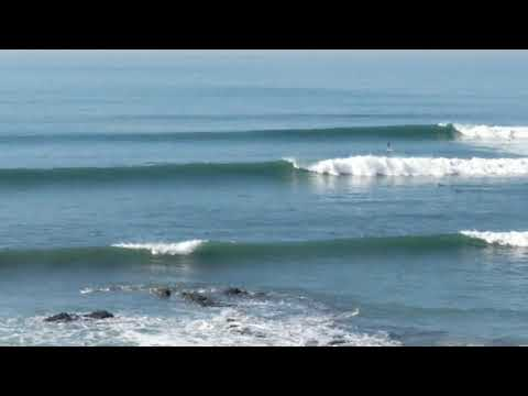 Point Leo fun sets of surf waves