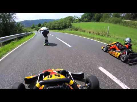 hqdefault - Espectacular descenso de skaters, karts y otros vehiculos curiosos