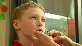 Child flu nasal spray administration clip 2018