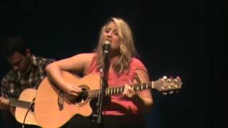 "Karyn Rochelle sings ""Georgia Rain"" at Country Music Hall of Fame"