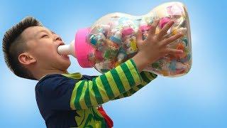 Bơ khóc nhè đòi ăn kẹo , chip cho rất nhiều kẹo mà vẫn khóc 😂