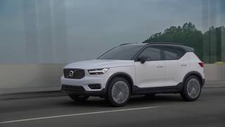 New Volvo XC40 driving footage