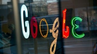 Eric Schmidt: Google's algorithms are better than the doctors