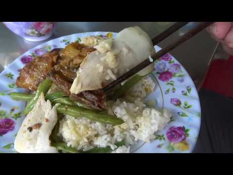 กินข้าวหมูย่างกว่างหงายอร่อยมาก Quảng Ngãi local food