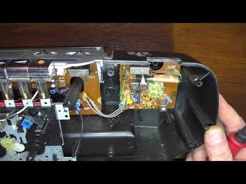 Repair of cassette tape recorder/Чиним магнитофон