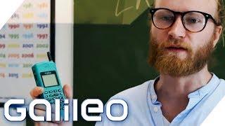 Dürfen Lehrer Handys wegnehmen? Welche Gesetze gelten in der Schule? | Galileo | ProSieben