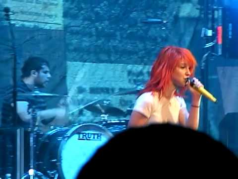 Paramore Ignorance NEW SONG Live @ Savemart Center Fresno 051909