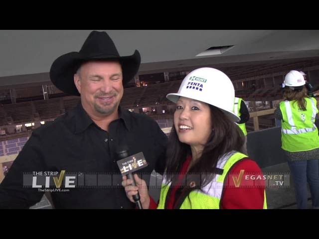 Garth Brooks (showcase)
