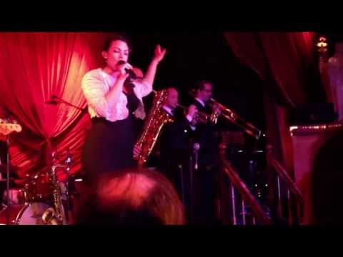 Caro Emerald - Pack up the Louie  (live - release)