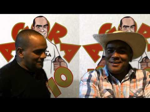 Repórter Favela apresenta o novo repórter do Jornal Agora é Sério