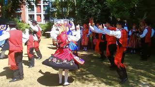 Ein Video über die Darbietungen der portugiesischen Folkloregruppe