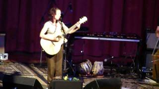 Ani DiFranco - Lifeboat (live in Grass Valley)