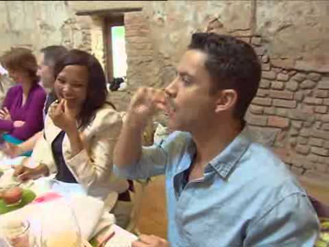 This week on Top Billing join Nico Panagio as he immerses himself in a world of tastes and aromas at the launch of the Woolworths Flavour Society!