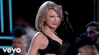 Liefdeskaarten, Check out Taylors new video New Romantics off her multiplatinum release 1989