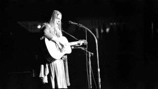"""Joni Mitchell and Pete Seeger duet - """"Both Sides, Now"""""""