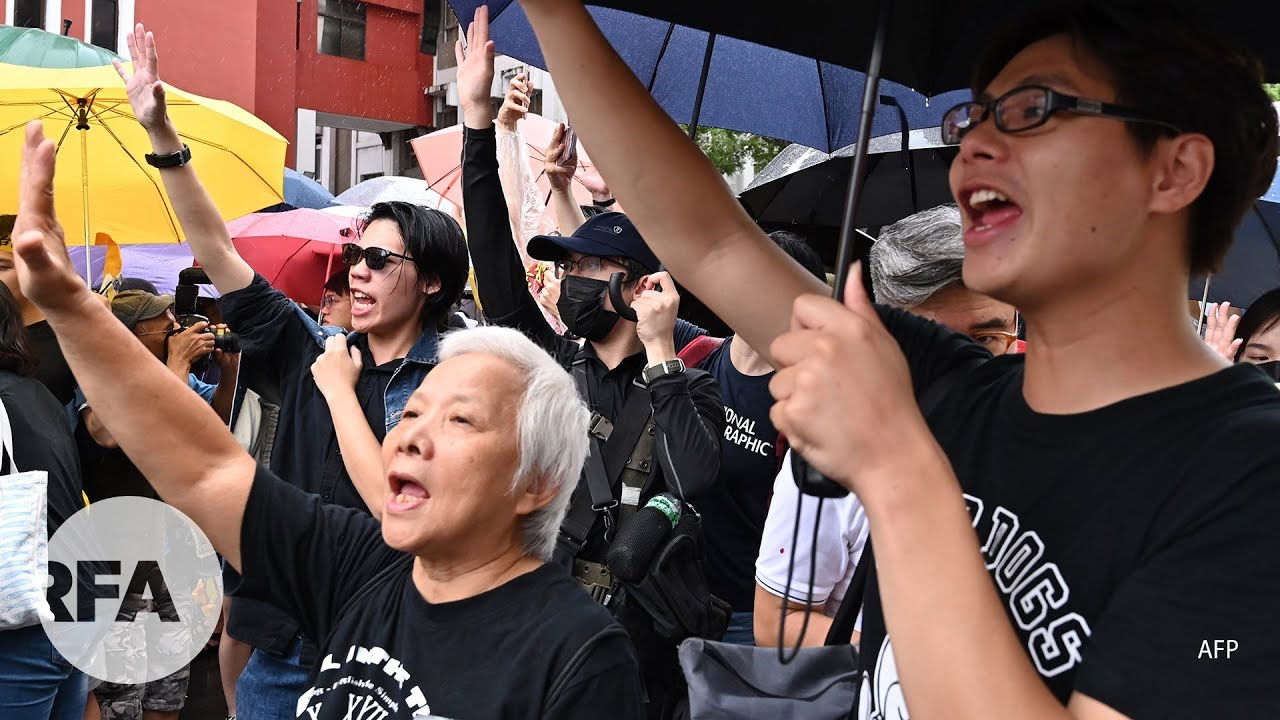 Hàng chục ngàn người Đài Loan biểu tình chống chế độ toàn trị của ĐCS Trung Quốc thumbnail